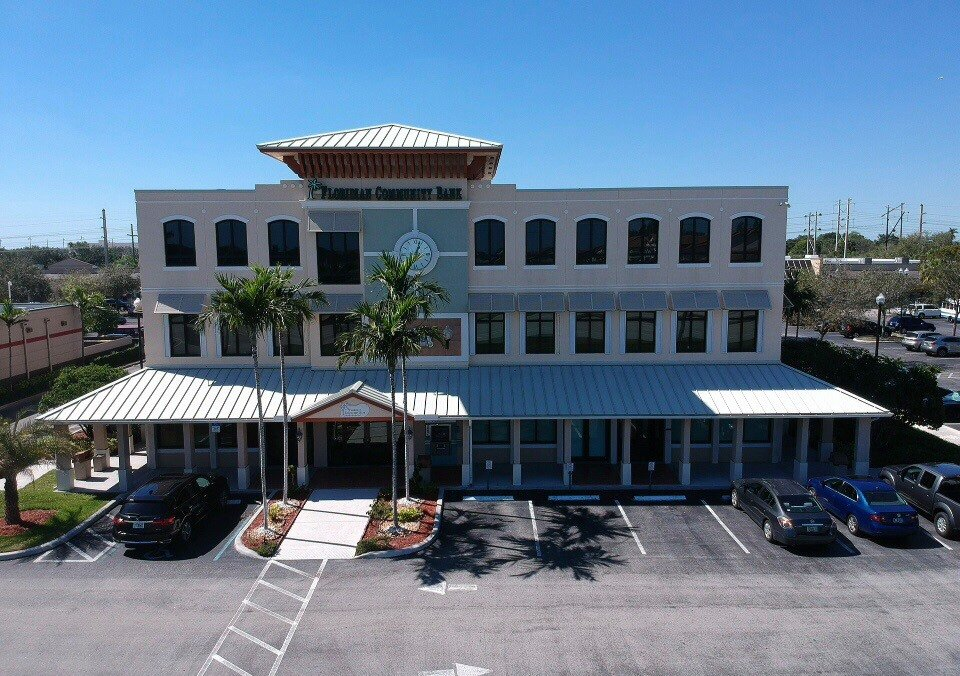 A drone view of the front Floridian Community Bank in Davie, FL.